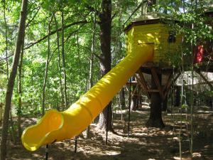 Outdoor Adventure Park- Image 1 / 3